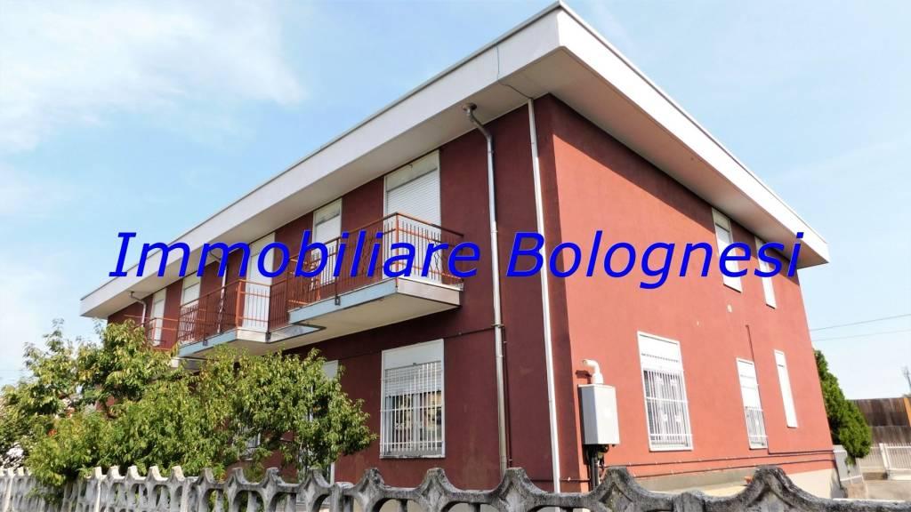 Appartamento in vendita a Cardano al Campo, 3 locali, prezzo € 89.000 | CambioCasa.it