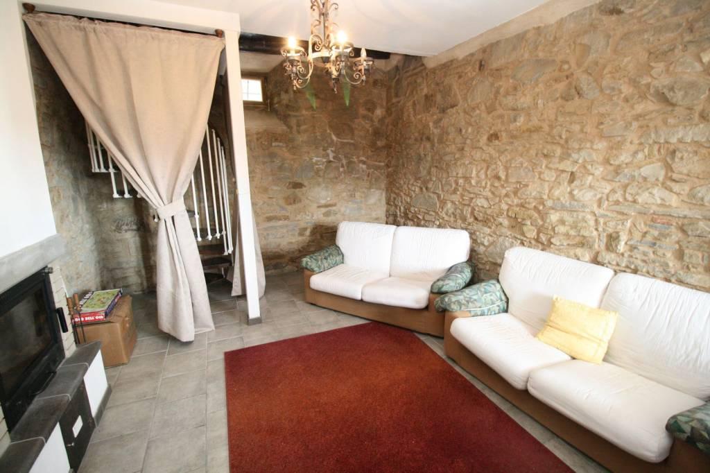 Appartamento in ottime condizioni arredato in affitto Rif. 7654112