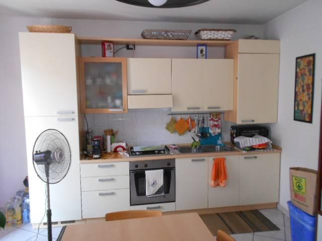 Appartamento in ottime condizioni arredato in affitto Rif. 7654022