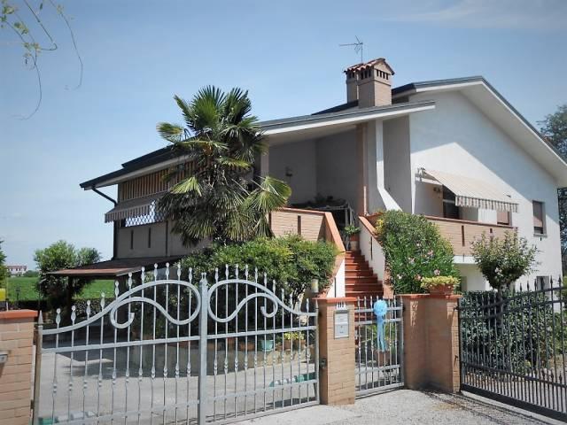 Villa in ottime condizioni in vendita Rif. 4261139