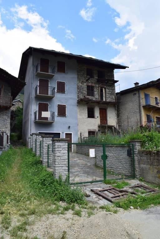 Foto 1 di Casa indipendente Borgata Roccia, Sampeyre