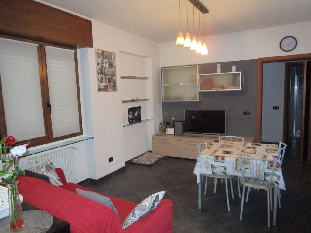 Appartamento in affitto a Borgomanero, 2 locali, prezzo € 450 | CambioCasa.it