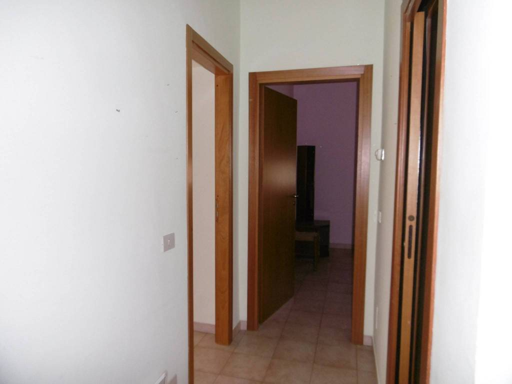 Appartamento in buone condizioni arredato in affitto Rif. 8066253