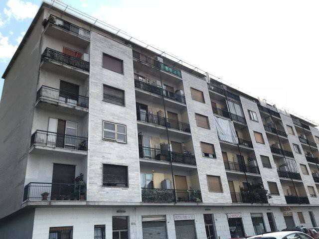 Appartamento in buone condizioni in vendita Rif. 7663205