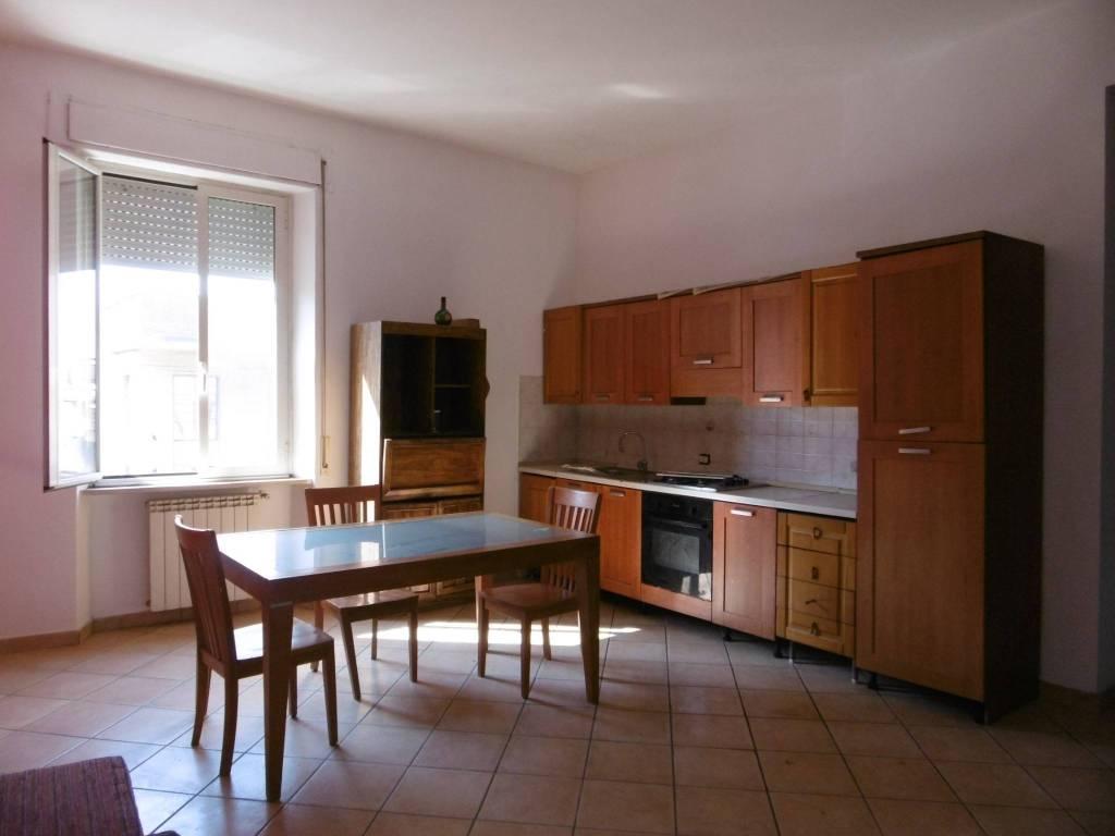 Appartamento in buone condizioni arredato in affitto Rif. 8066254