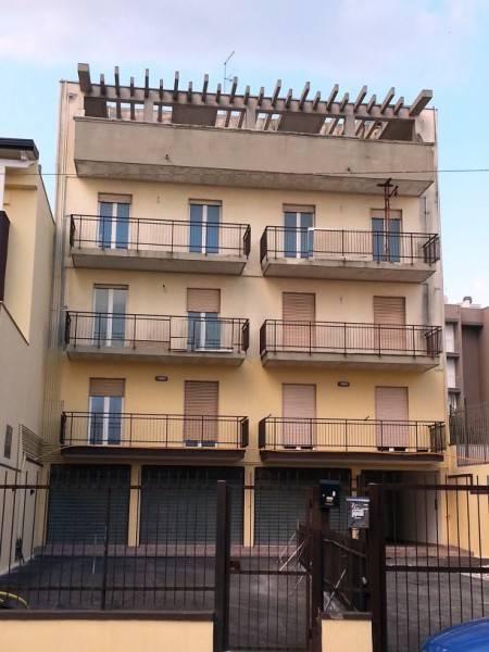 Appartamento in buone condizioni in vendita Rif. 7677663