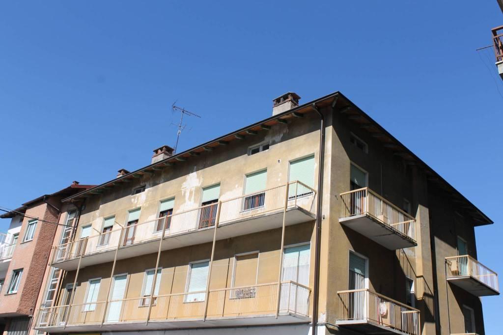 Appartamento in buone condizioni in vendita Rif. 7677378