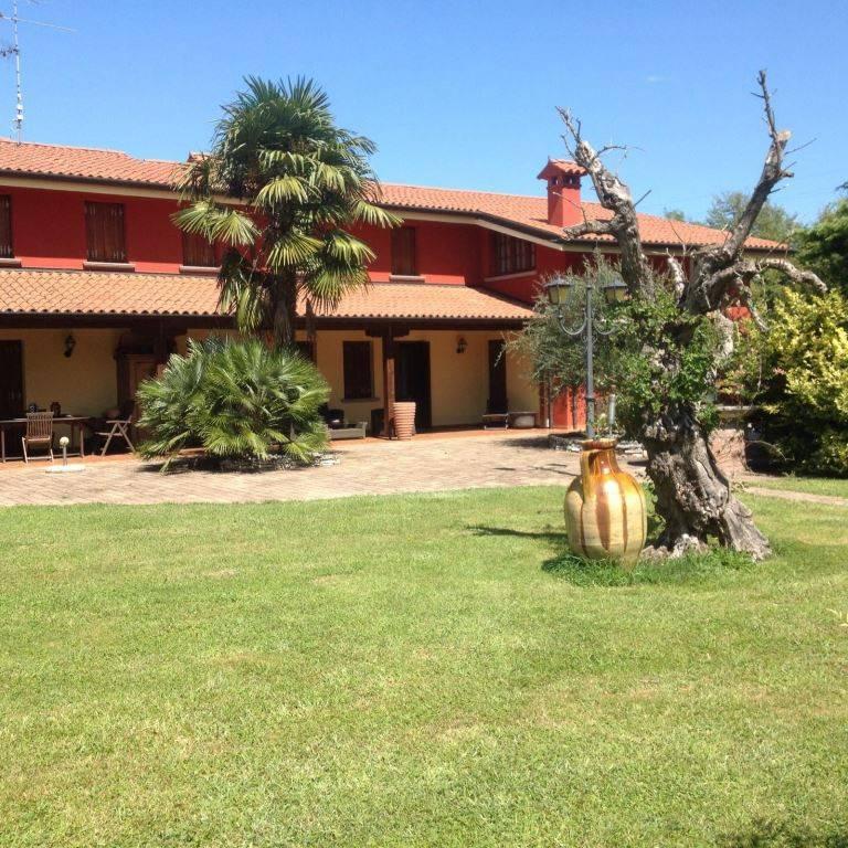 Villa in vendita a Meduna di Livenza, 4 locali, prezzo € 350.000   CambioCasa.it