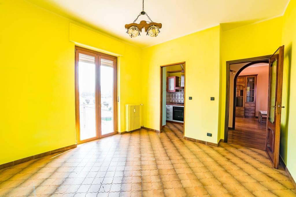 Appartamento in buone condizioni in vendita Rif. 7678355