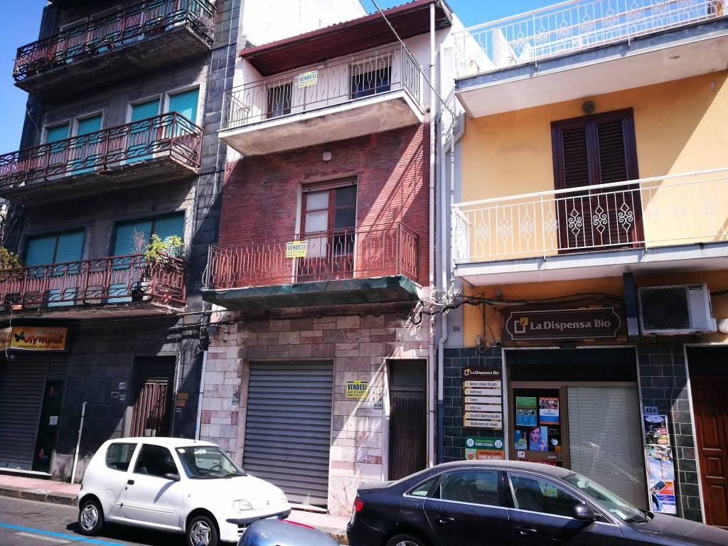 S.Teresa di Riva Locale commerciale in via R. Margherita,