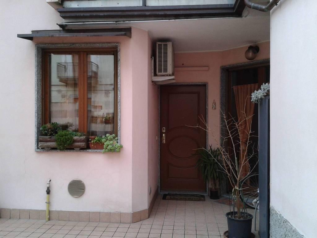 Appartamento in ottime condizioni arredato in affitto Rif. 7678591