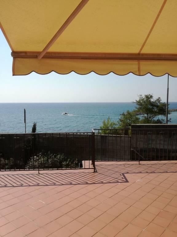 Appartamento in ottime condizioni arredato in vendita Rif. 8465719