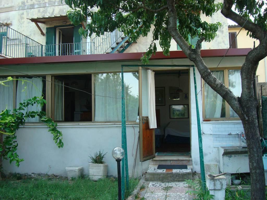 Appartamento in buone condizioni in vendita Rif. 7677409