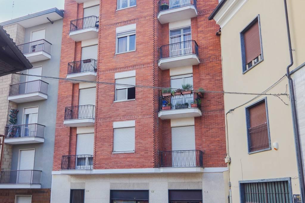 Appartamento in buone condizioni arredato in affitto Rif. 7689694