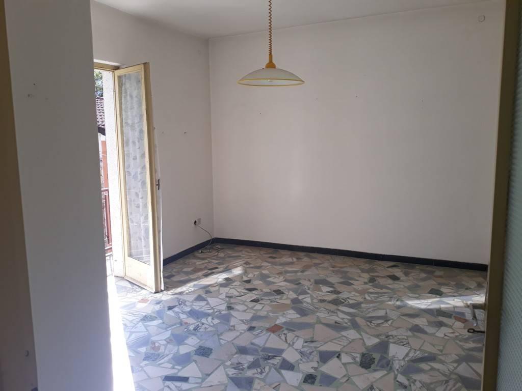 Appartamento in buone condizioni in vendita Rif. 7690175