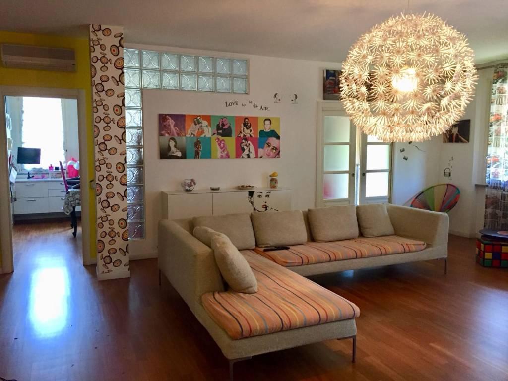 Appartamento in ottime condizioni in vendita Rif. 6971005