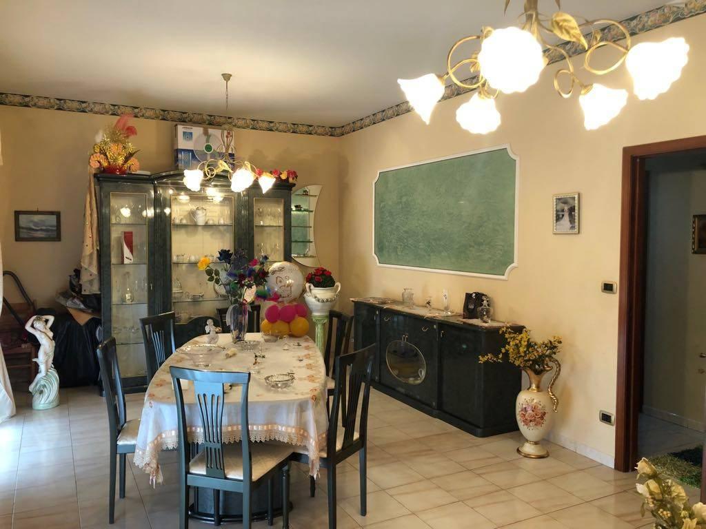 Appartamento da ristrutturare in vendita Rif. 7691956