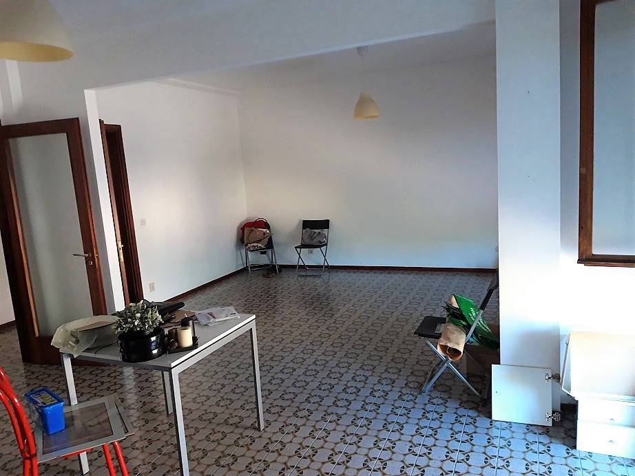 Appartamento in buone condizioni in affitto Rif. 7689407