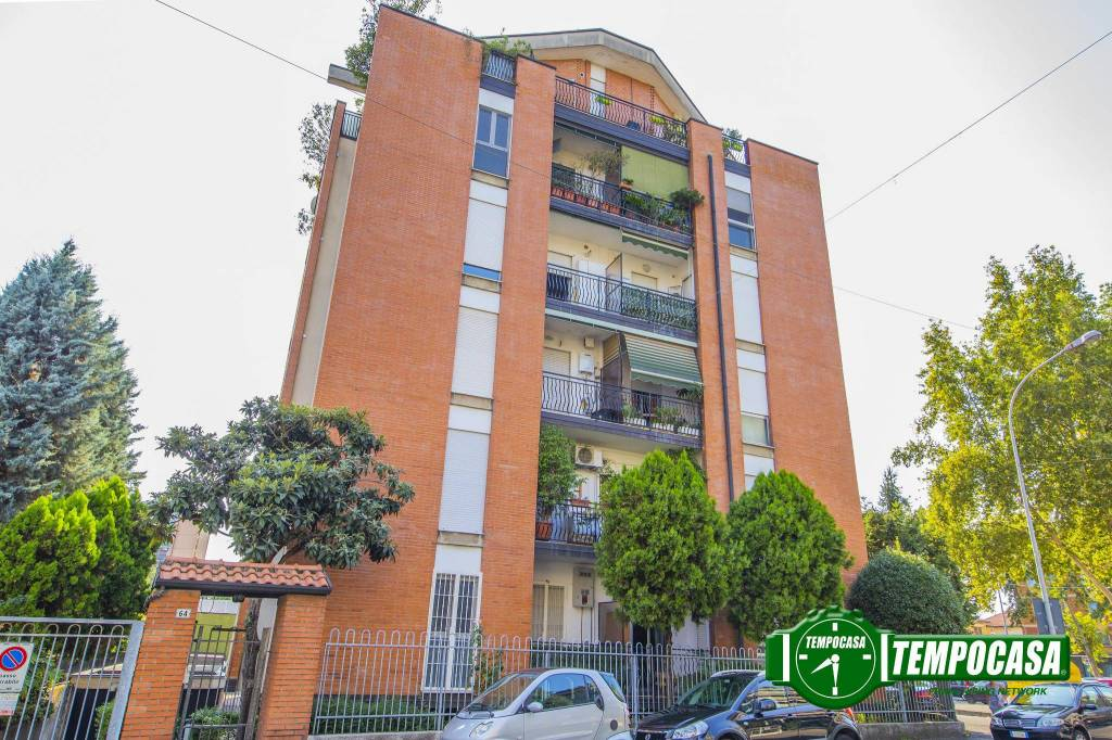 Appartamento in ottime condizioni arredato in vendita Rif. 7690404
