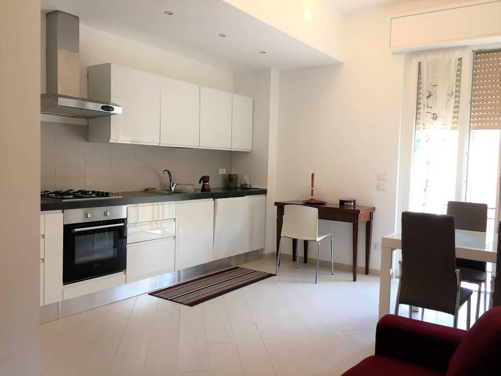 Appartamento in ottime condizioni arredato in affitto Rif. 8818708
