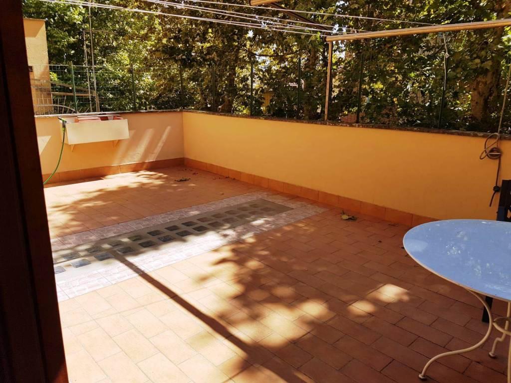 Appartamento in ottime condizioni arredato in vendita Rif. 7690194