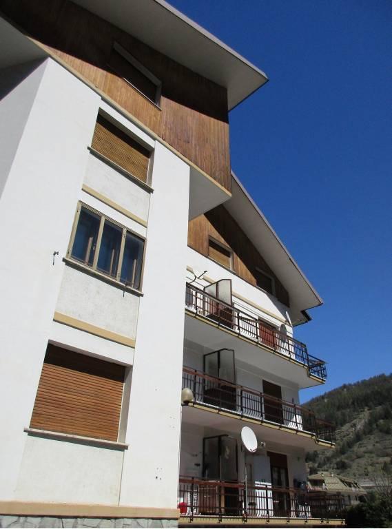 Appartamento in buone condizioni arredato in affitto Rif. 7690783