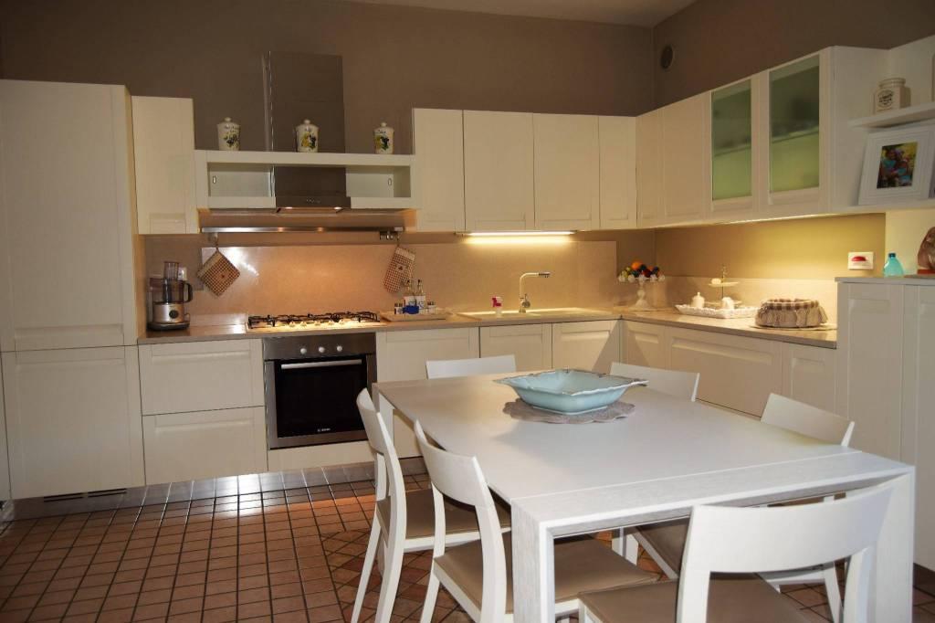 Villa in vendita a Gussago, 5 locali, prezzo € 500.000   PortaleAgenzieImmobiliari.it