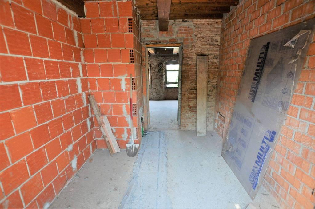 Casa Indipendente da ristrutturare in vendita Rif. 9123975