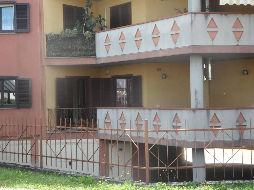 Appartamento in buone condizioni in vendita Rif. 7690375
