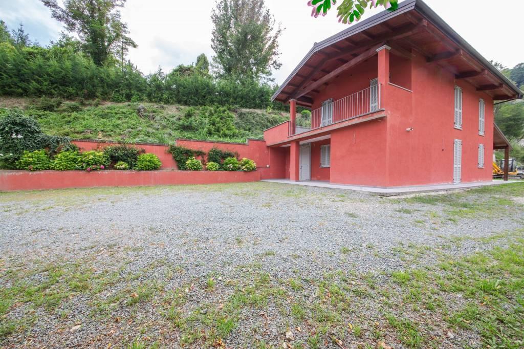 Villa in vendita a Canelli, 4 locali, prezzo € 320.000 | PortaleAgenzieImmobiliari.it