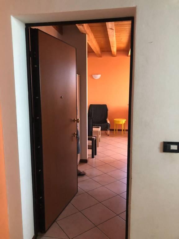 Appartamento in buone condizioni arredato in vendita Rif. 7691930