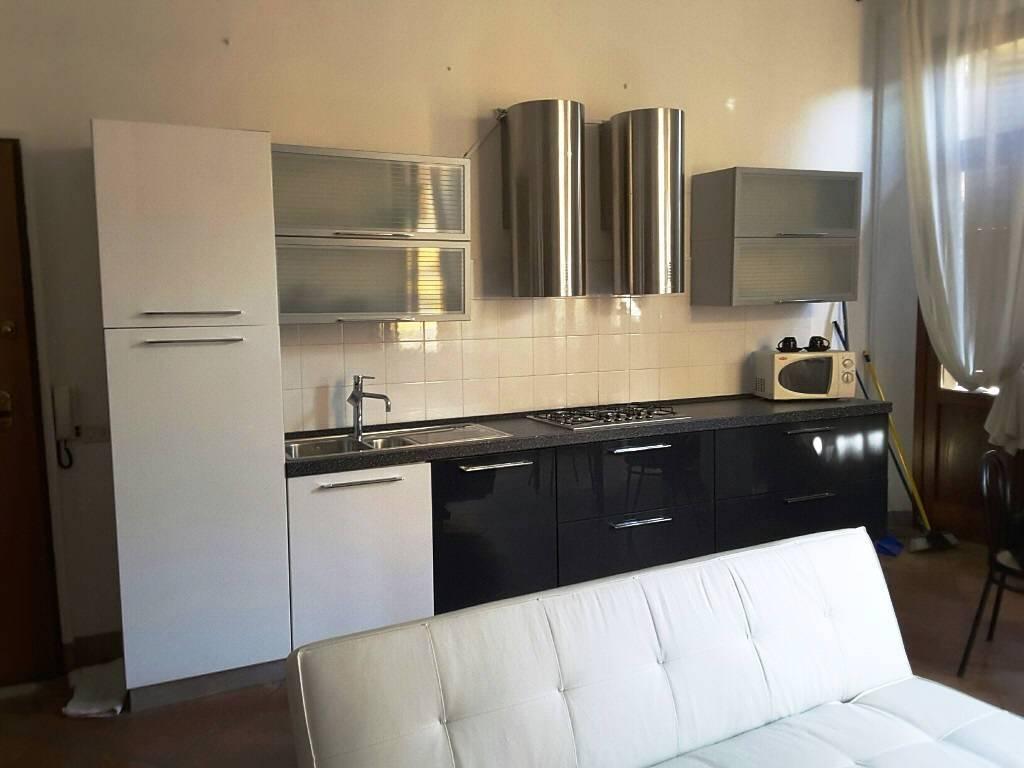 Appartamento in ottime condizioni arredato in affitto Rif. 8135656