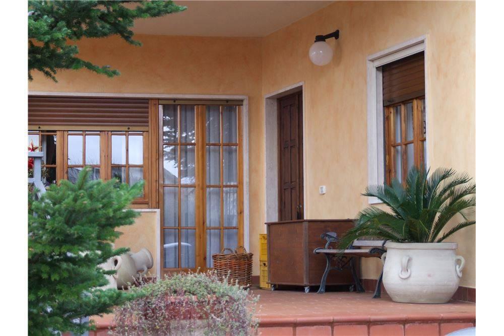 Villa 6 locali in vendita a Matera (MT)
