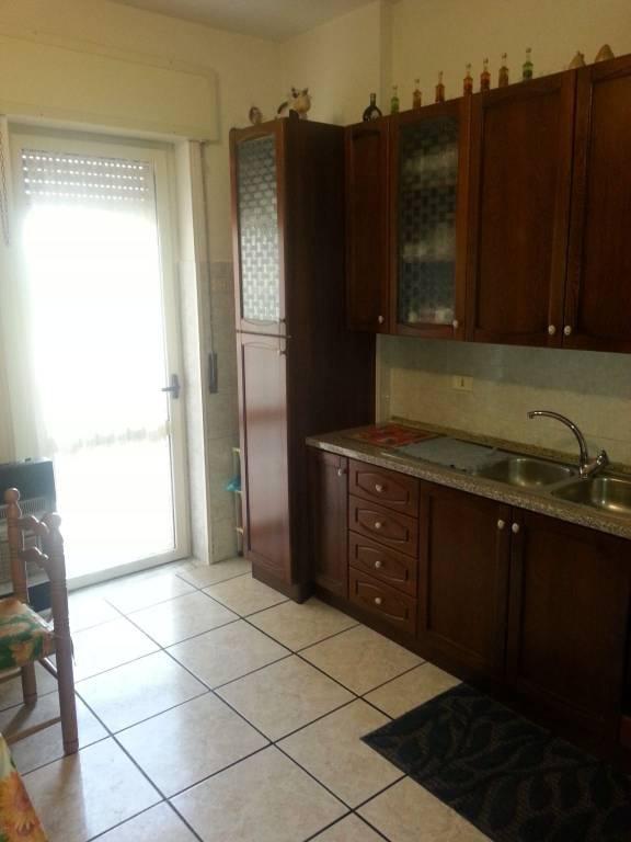 Appartamento di 5 vani ed accessori, via Promiscua.