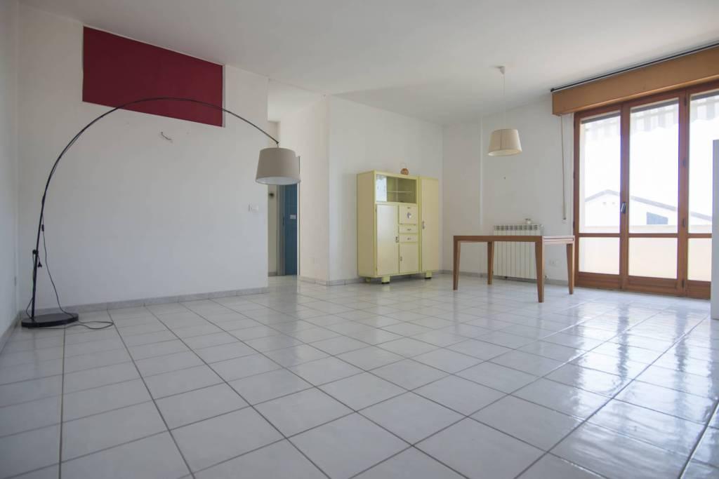 Appartamento in buone condizioni in vendita Rif. 7706442