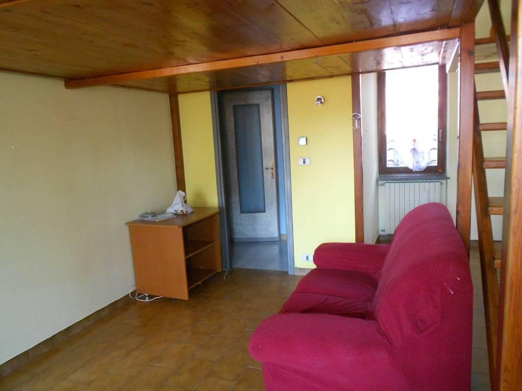 Appartamento in buone condizioni parzialmente arredato in affitto Rif. 7796584