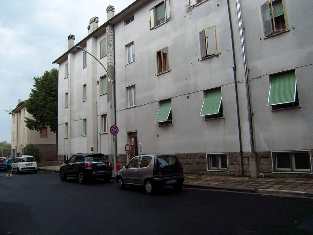 Appartamento in ottime condizioni arredato in vendita Rif. 7704088