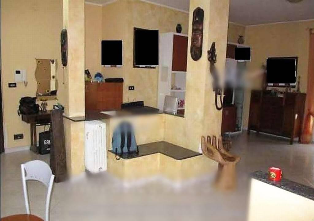 Appartamento in vendita a Venaria Reale, 3 locali, prezzo € 77.000 | CambioCasa.it