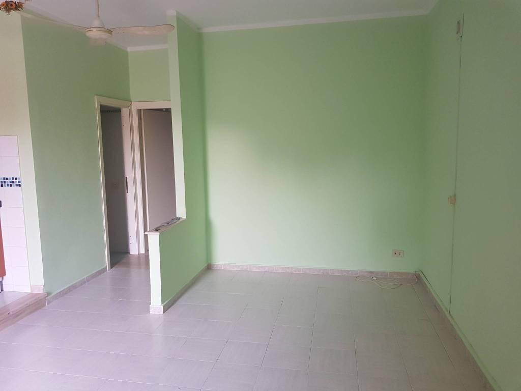 Appartamento in buone condizioni arredato in affitto Rif. 7703734