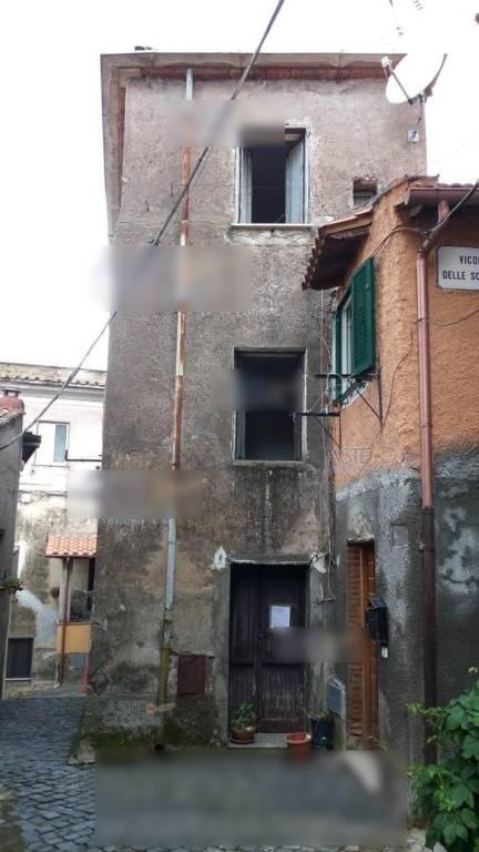 Stabile / Palazzo da ristrutturare parzialmente arredato in vendita Rif. 7705578