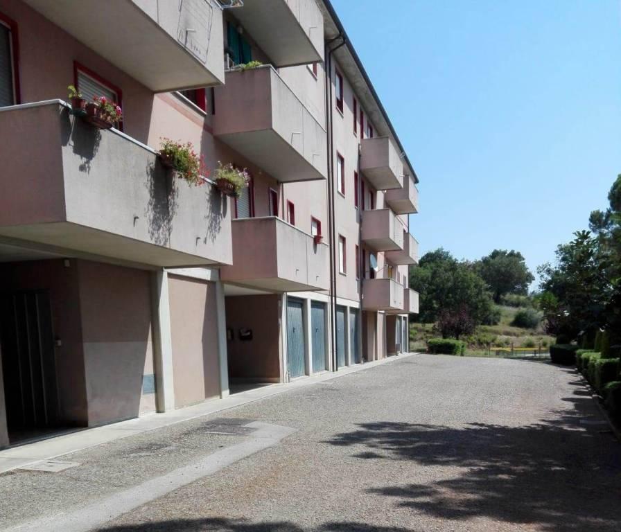 Appartamento in buone condizioni in vendita Rif. 7703713
