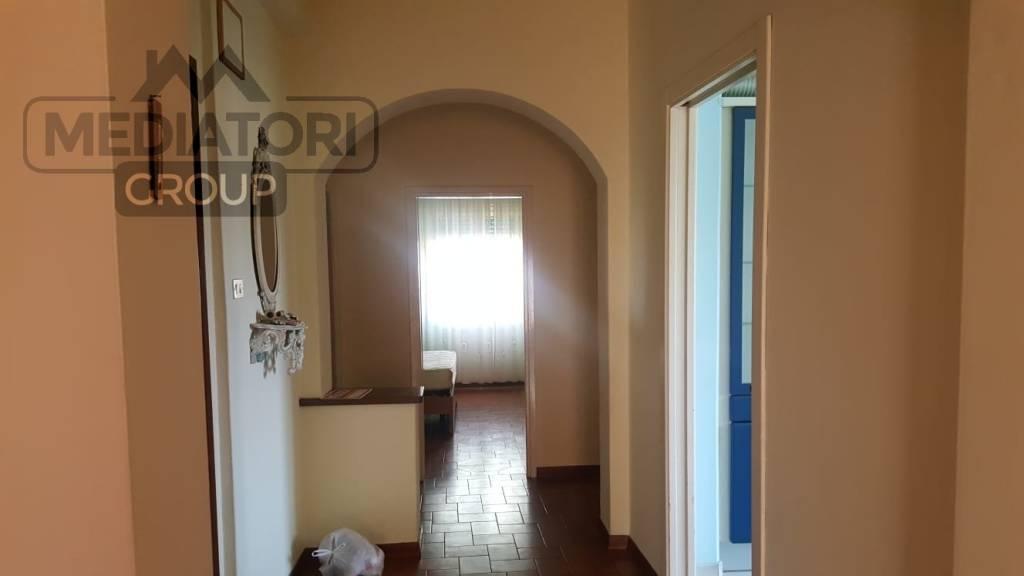 Appartamento in buone condizioni in vendita Rif. 7722575