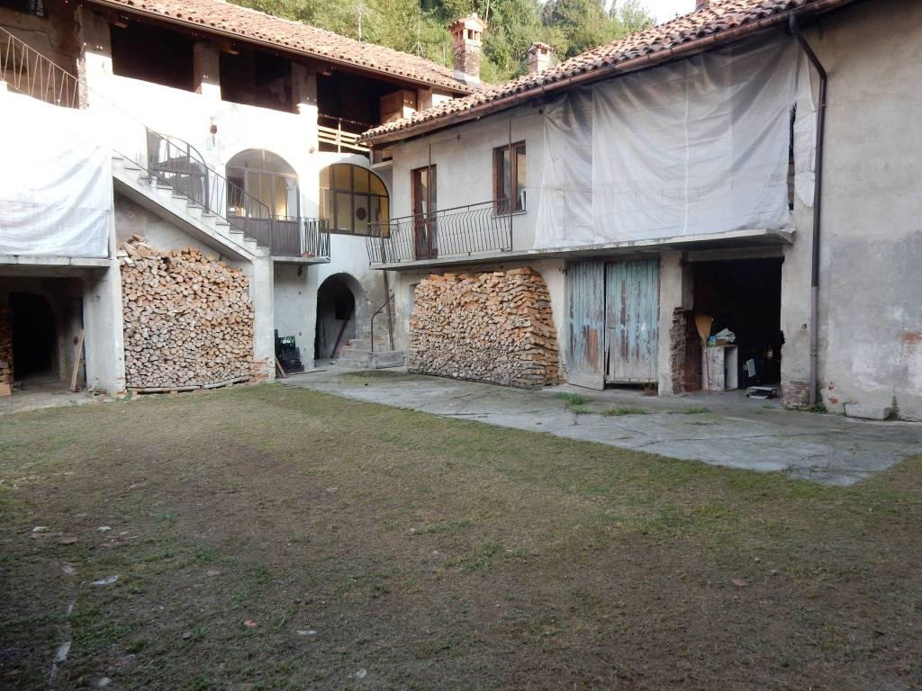 Rustico / Casale in vendita a Torre Mondovì, 6 locali, prezzo € 90.000 | CambioCasa.it