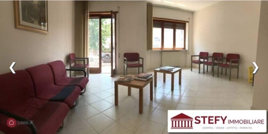 Appartamento in ottime condizioni in vendita Rif. 7721643