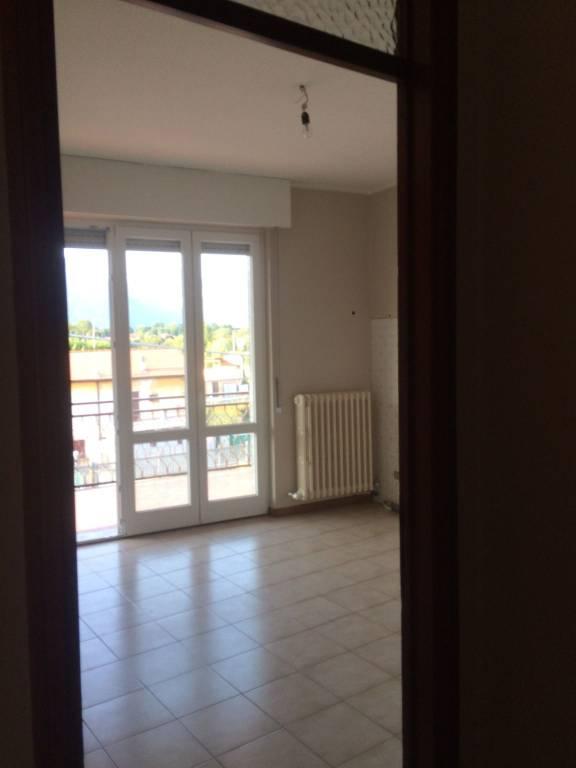 Appartamento in buone condizioni in affitto Rif. 7723472