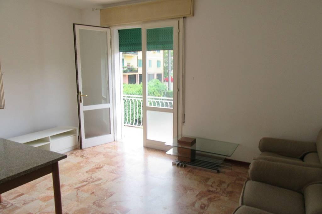 Appartamento da ristrutturare parzialmente arredato in vendita Rif. 7722057