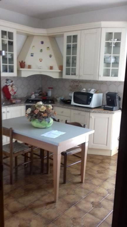 Appartamento in buone condizioni in vendita Rif. 7723627