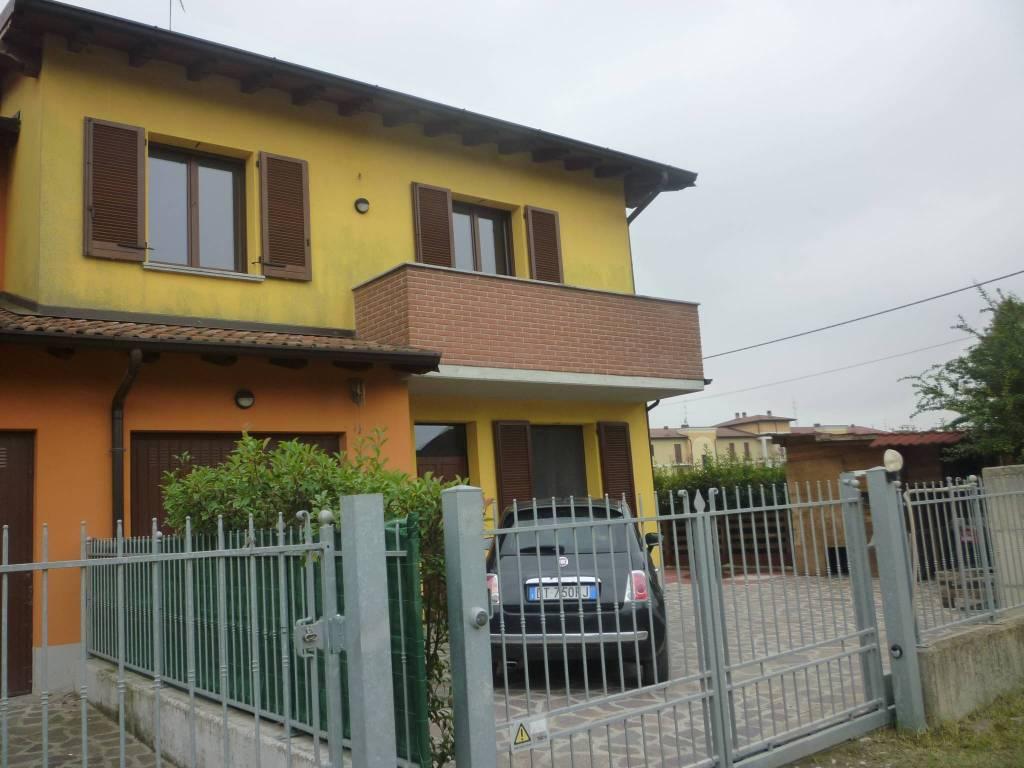 Villa a Schiera in vendita a Grontardo, 5 locali, prezzo € 179.000   CambioCasa.it