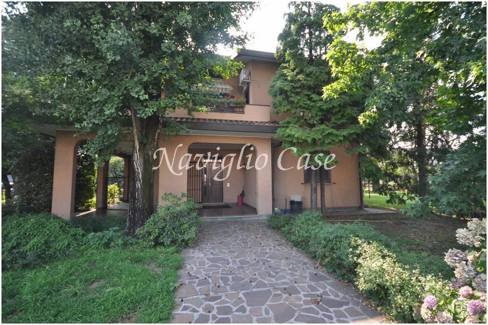 Villa in buone condizioni arredato in vendita Rif. 9358801