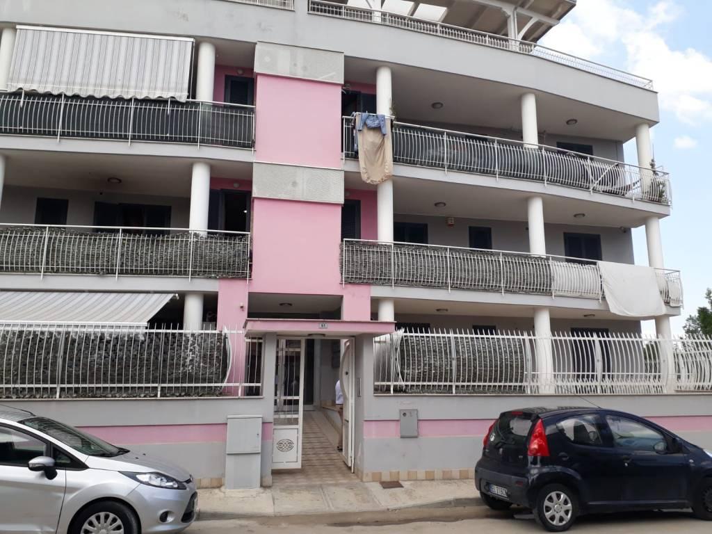 Appartamento in buone condizioni in affitto Rif. 7720124